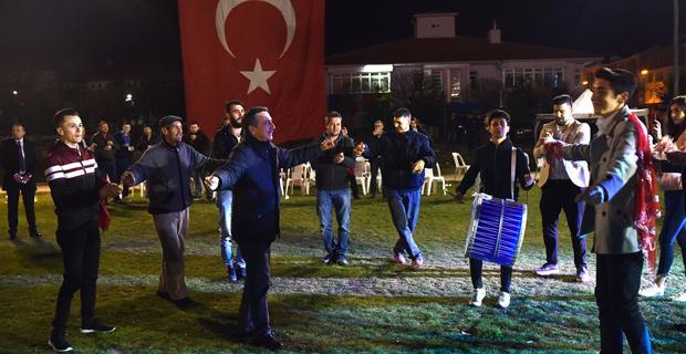 Başkan Ataç 7 genci askere uğurladı