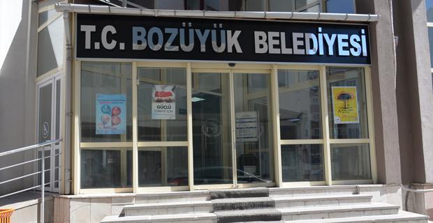 Bozüyük'te Belediye binasına T.C. geri geldi