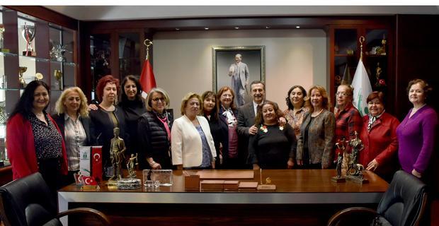 CHP'li kadınlardan Ataç'a ziyaret