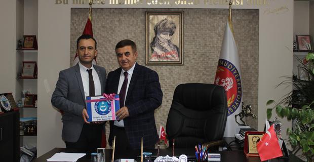 Mahmudiye'de sözleşmeler imzalandı