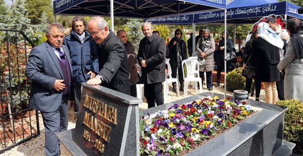 Mustafa Mansız Kabri başında anıldı