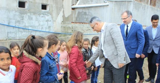 Osmaneli' de 4006 Tübitak Bilim Fuarı açıldı