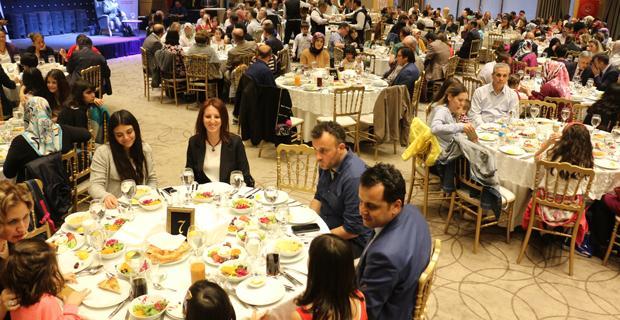 Koruyucu aileler için iftar yemeği