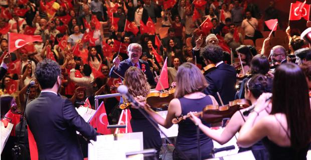 Orkestra Şefi Başkan Büyükerşen