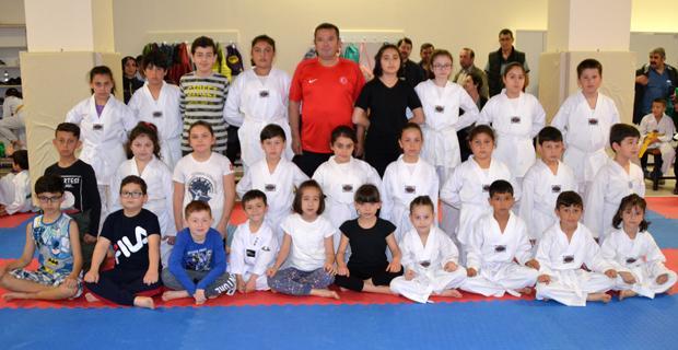 Taekwondo Beyaz Kuşaklar sınavı