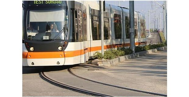 Tramvayın çarptığı kişi hayatını kaybetti