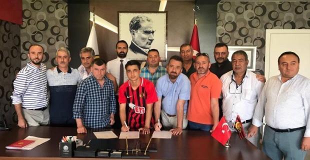 Eskişehirspor'dan ilk imza