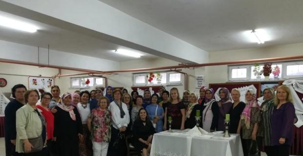 Barbaros İlkokulu'nda El Sanatları ve Ev Tekstili Sergisi