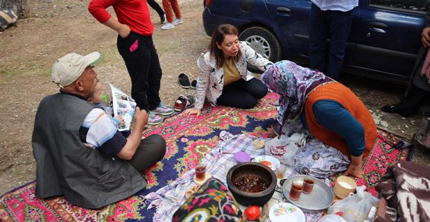 Günay, Mihalıçcık Kiraz Festivali' ne katıldı
