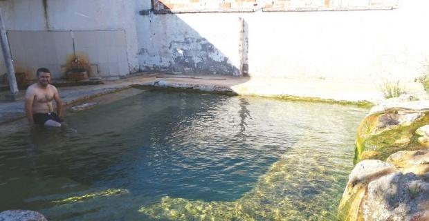 Hisarcık'taki tarihi sıcak su havuzu sağlık turizmine kazandırılmalı