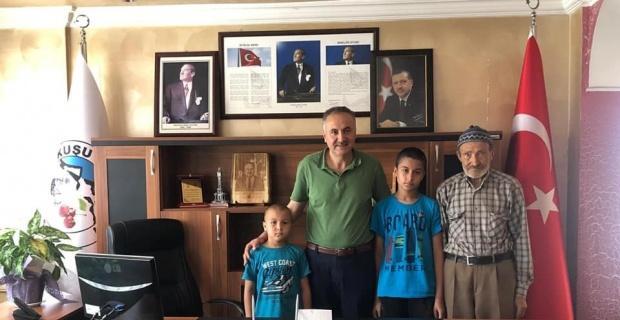 LGS birincisine Başkan Aktay'dan ödül