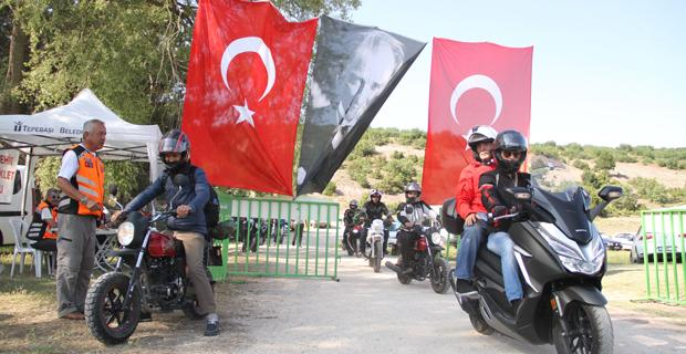 Motosiklet tutkunlarıEskişehir'de buluştu