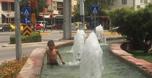 Çocukların suda tehlikeli oyunu