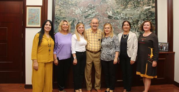 Kadın Muhtarlardan Büyükerşen'e Ziyaret