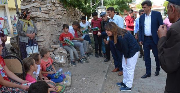 Günay köy gezilerini sürdürüyor