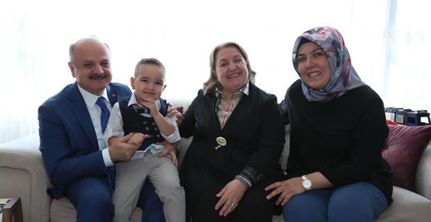 Şehit Polis Sevim'in Ailesini Ziyaret Etti
