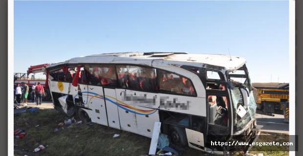 Afyonkarahisar'da otobüs devrildi: 1 ölü, 40 yaralı