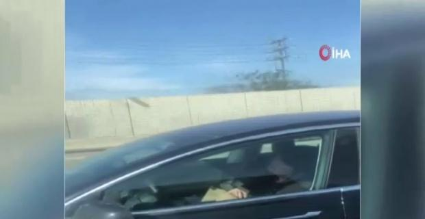 Aracına güvendi, direksiyon başında uyudu