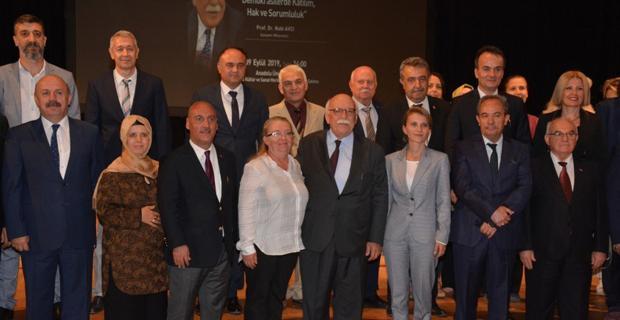 Avcı'dan 15 Temmuz Demokrasi Günü konferansı