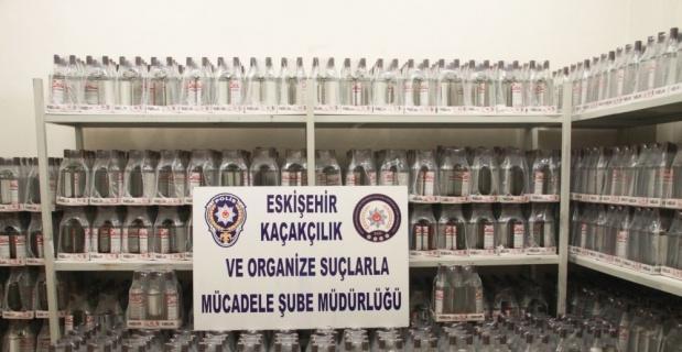 2 bin 208 şişe etil alkol ele geçirildi