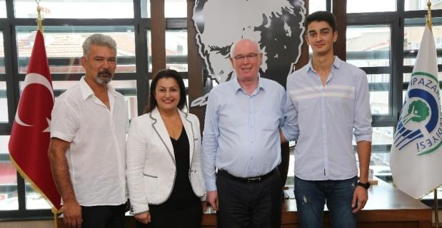 Fenerbahçe'ye transfer olan  Yıldız'dan Kurt'a teşekkür