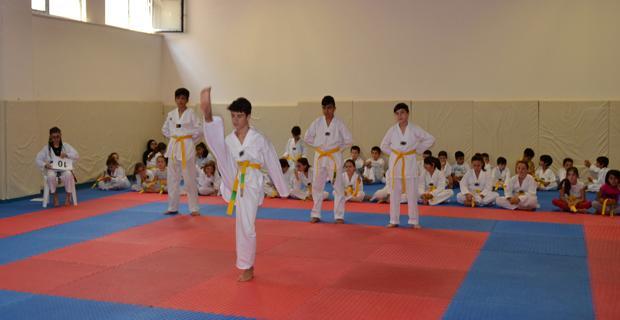 Taekwonda da yarışma heyecanı