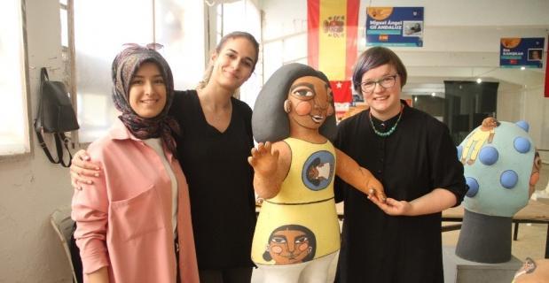 Türk aile yapısından etkilenerek eserine 'Eskişehir' adı verdi