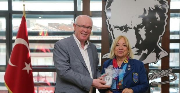 Yazılıkaya Rotary Kulübünden Başkan Kurt'a ziyaret