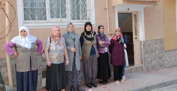 Elektirik kesintilerine kadınlardan tepki
