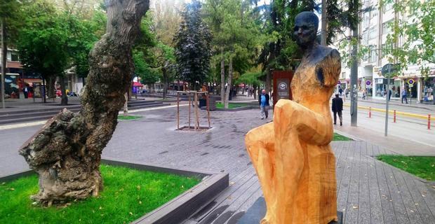 Yediler Parkı heykelle güzelleşti