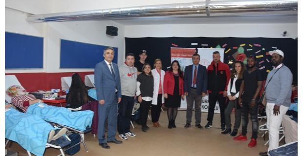 Futbolculardan kan bağışı kampanyasında destek
