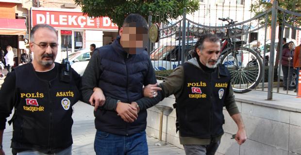 Kendini polis olarak tanıtan hırsız yakalandı