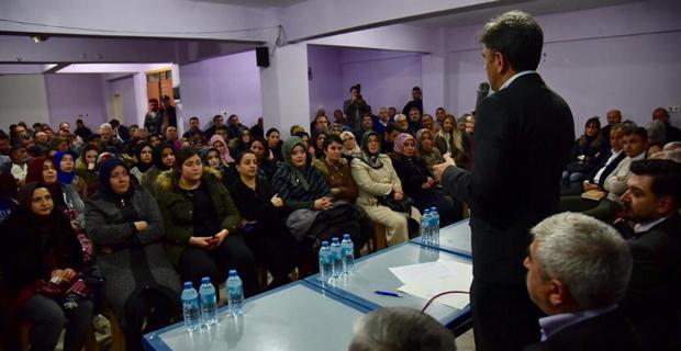 AK Parti mahalle toplantılarını sürdürüyor