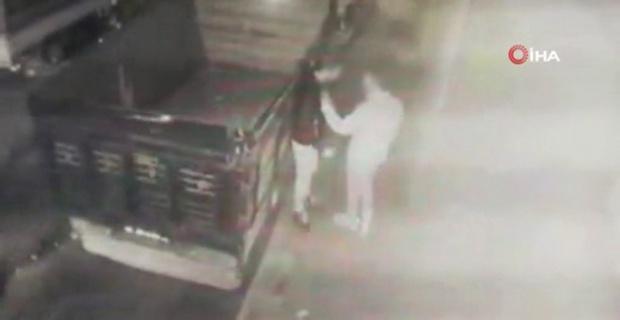 Dehşet anları: Cebindeki telefon için defalarca bıçaklandı