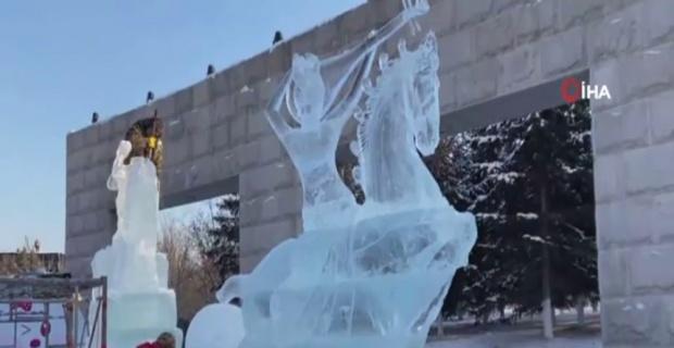 Çin'de kar ve buz heykeli festivali başladı