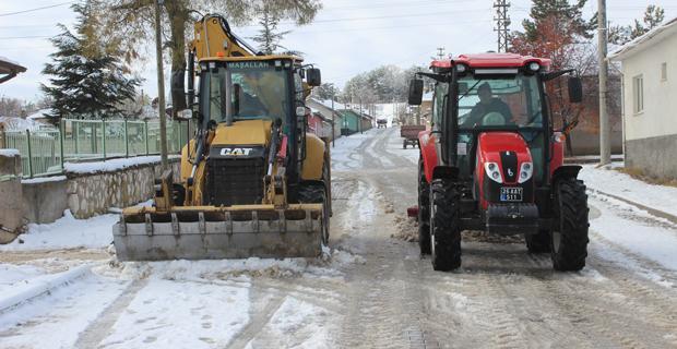 Mahmudiye Belediyesi Karla Mücadele ediyor
