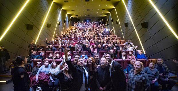 Mucize 2: Aşk Filminin Galasına Yoğun İlgi