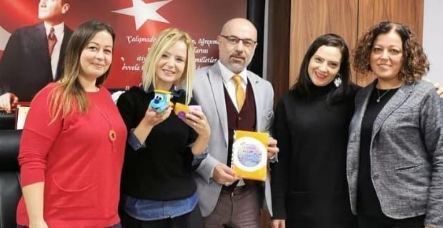 Proje defteri ve tren maskotu Türkiye'de