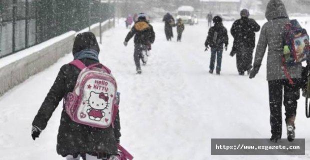 Seyitgazi'de okullar 1 gün tatil