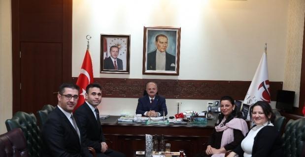 Vali Çakacak, KOBİ ödülüne layık görülen şirketlerin temsilcilerini kabul etti