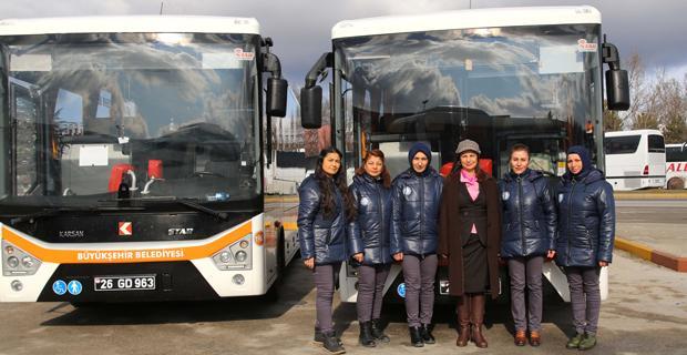 İlk kadın otobüs şoförleri direksiyona geçti