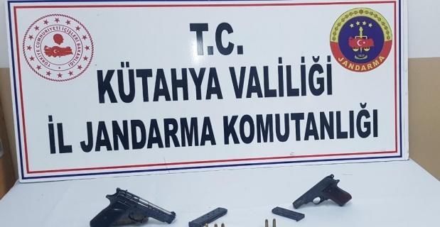 Jandarmadan ruhsatsız tabanca operasyonu