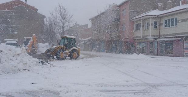 Kütahya'nın ilçelerinde karla mücadele
