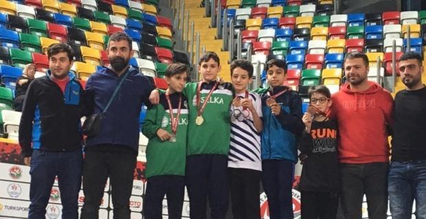Türkiye Şampiyonası'ndan 18 madalya ile döndü