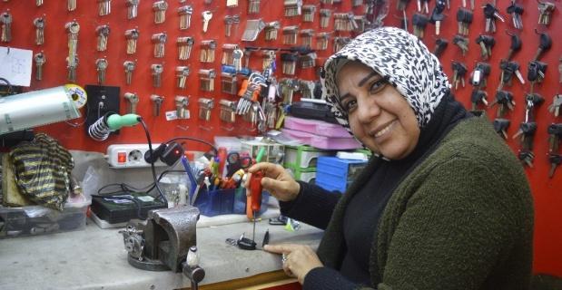 Türkiye'nin ilk ruhsatlı kadın çilingiri