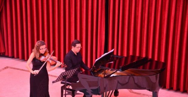 Türk Dünyası Bilim, Kültür ve Sanat Merkezi'nde klasik müzik rüzgârı