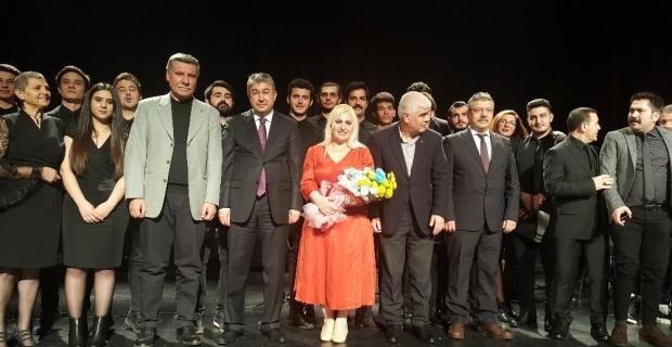 'Türküler Söylüyoruz' konseri