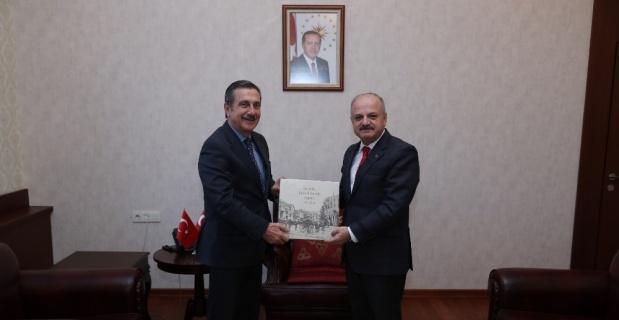 Vali Çakacak, Tepebaşı Belediye Başkanı Ataç'ı kabul etti