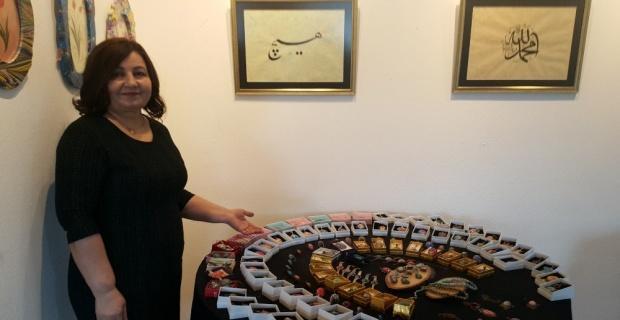 Eskişehirli sanatçı Süheyla Öztürk'ün 'Renklerin suda yansımaları' adlı ebru sanatı sergisi