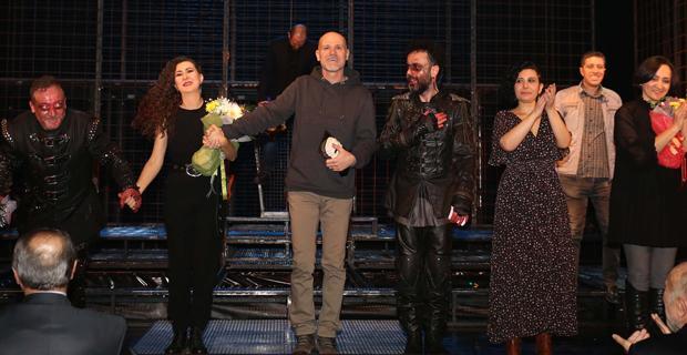 Macbeth ayakta alkışlandı